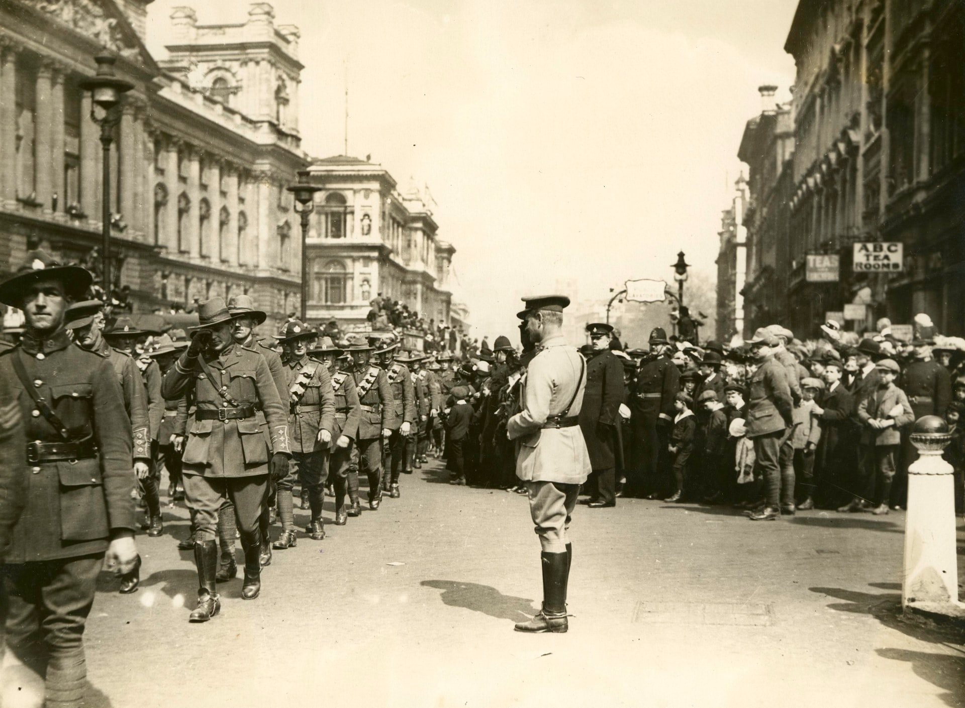 Anzac Day UK 1919 - heroic men